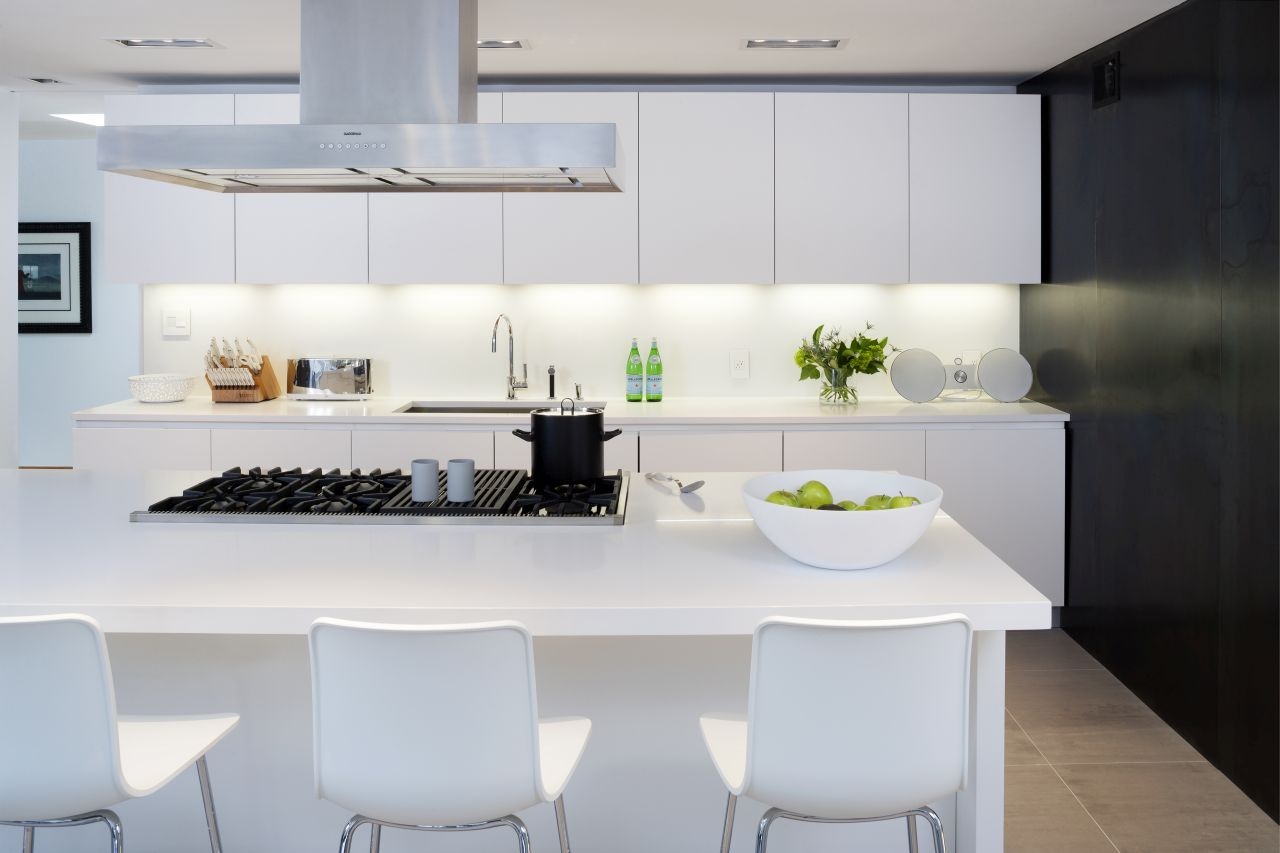 The kitchen by Cesar with satin finish white laquered