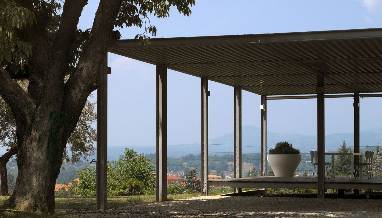 Renovation of a farmhouse in the Piedmont wine region