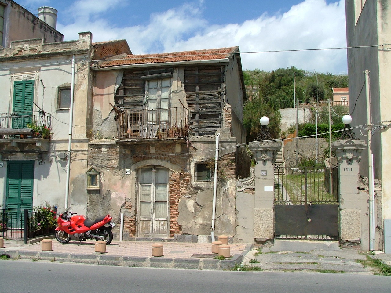 De Leo House in Messina before refurbishment