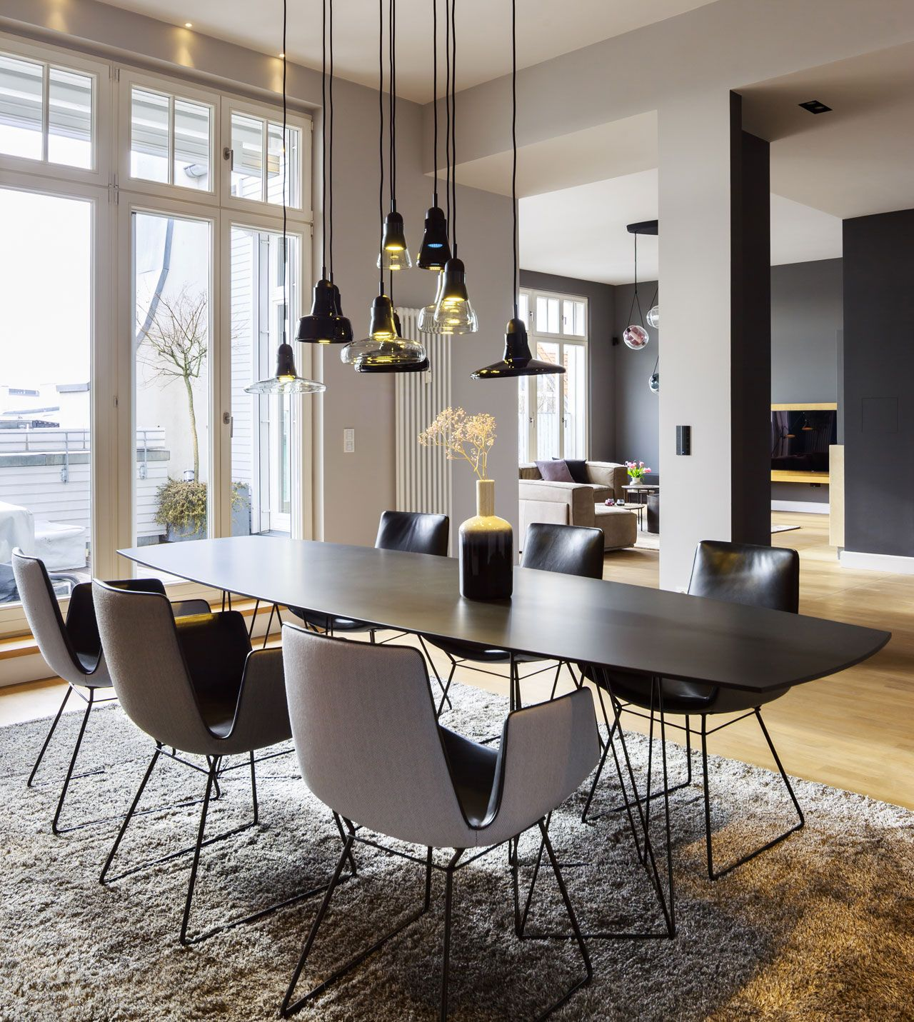 Joco table by Eoos for Walter Knoll and Amelie chairs by Freyfrau upholstered in leather