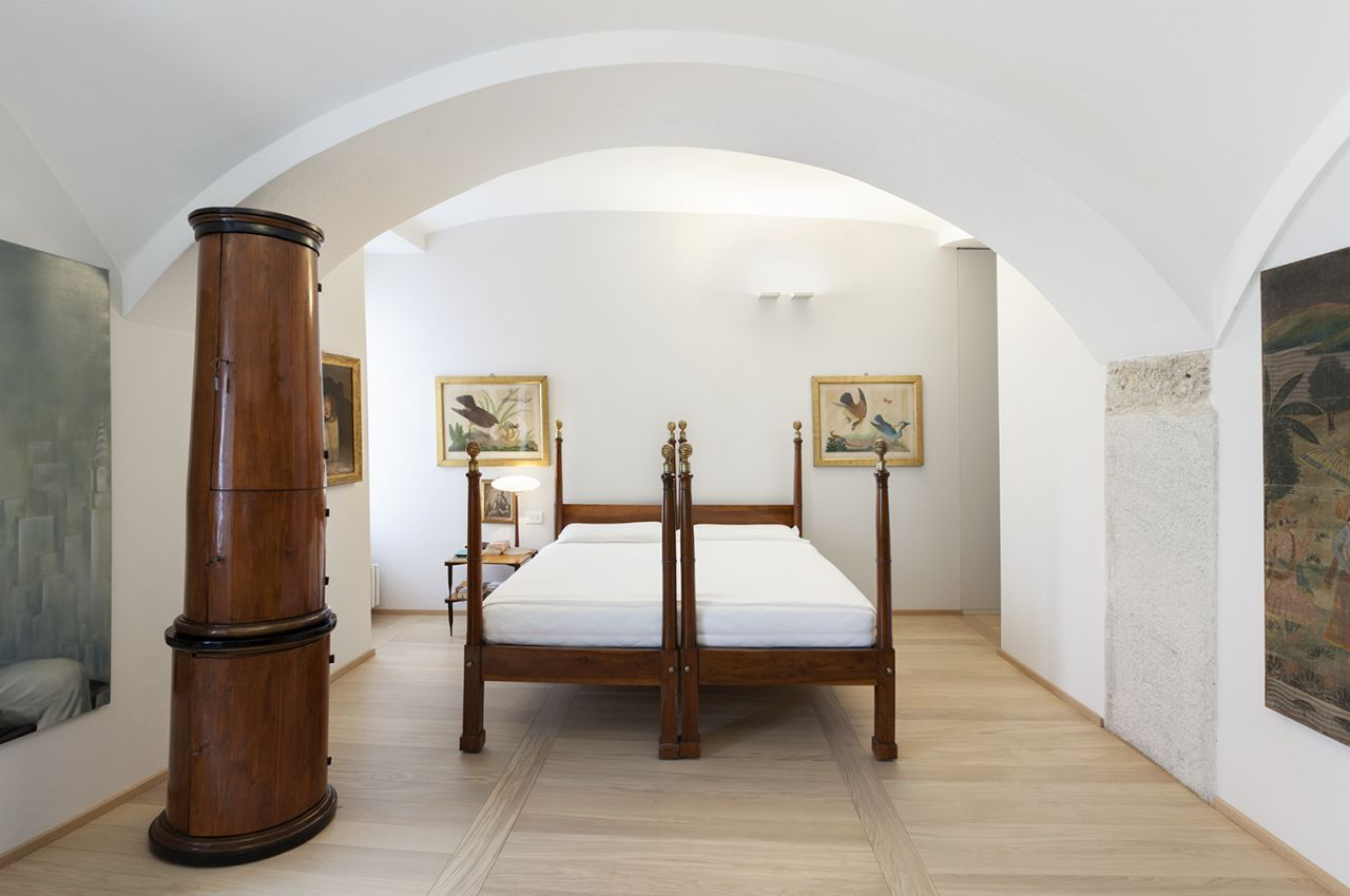 Renovation of an apartment in a period building in milan for Master suite nel seminterrato