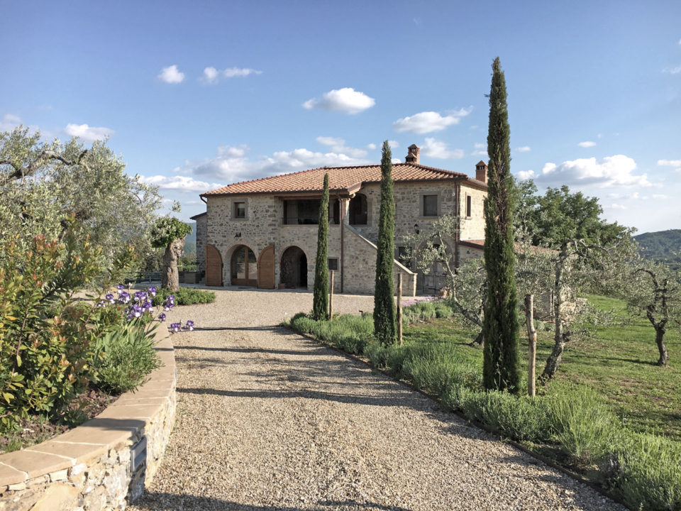 Beauty, tradition and design, in Tuscany the rebirth of a farm