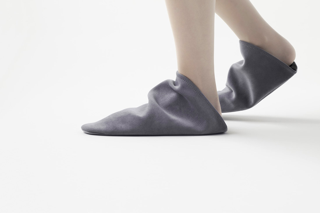 triangle slippers by nendo