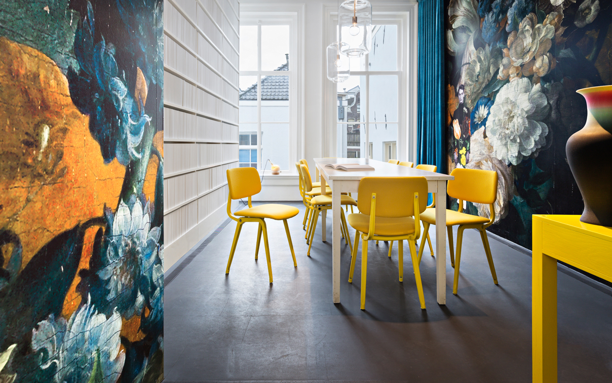 In the library, Revolt chairs, which are a Dutch design icon, brought back into production by Ahrend. Photo by Thijs Wolzak.