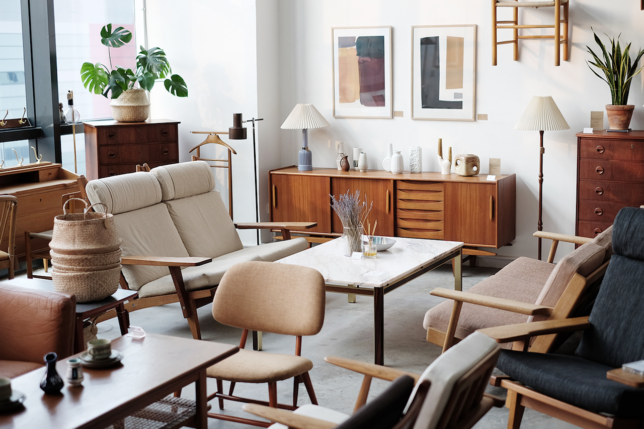 Noden, the first showroom to have authentic vintage furniture in Singapore.