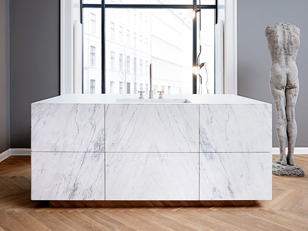 Form 45 Statuario venato marble kitchen, design Lene Halse Hornemann 2018, Multiform