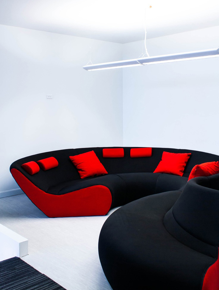 Gallery red carpet Walter knoll circle sofa