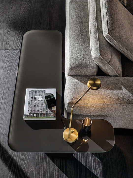 song small table by minotti