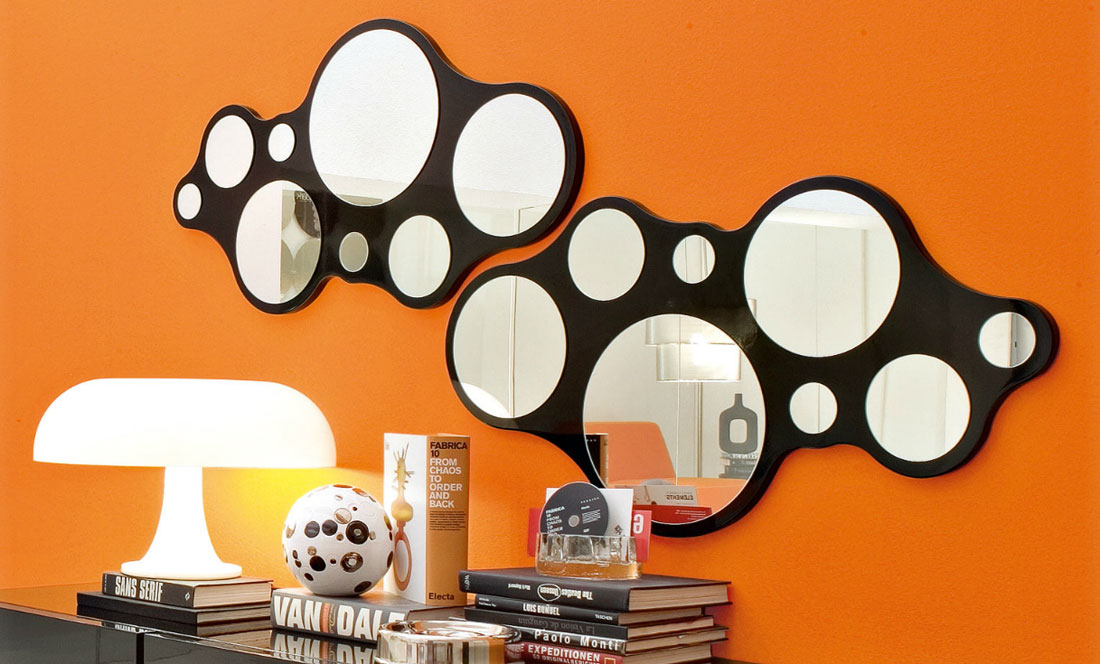bubbles mirror by calligaris