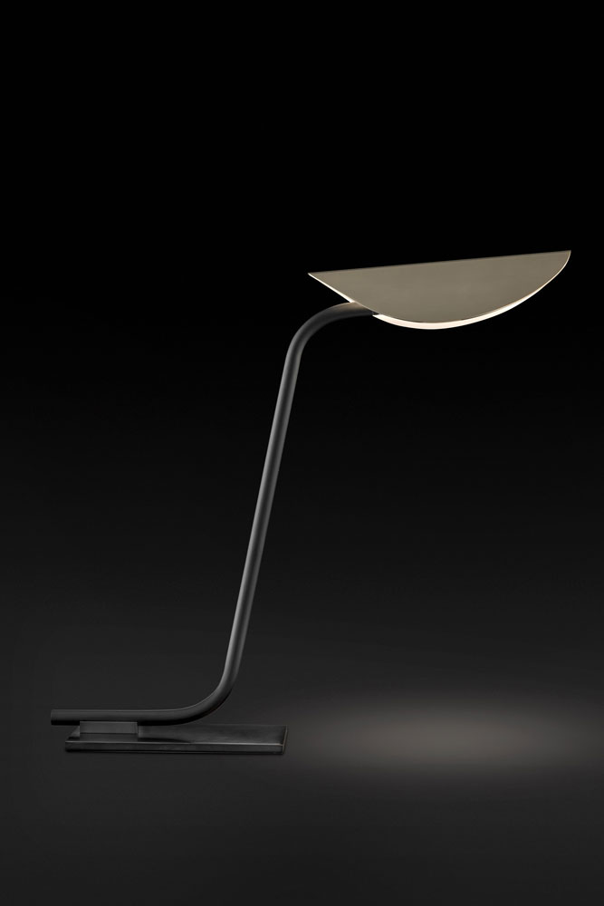plume lamp by oluce