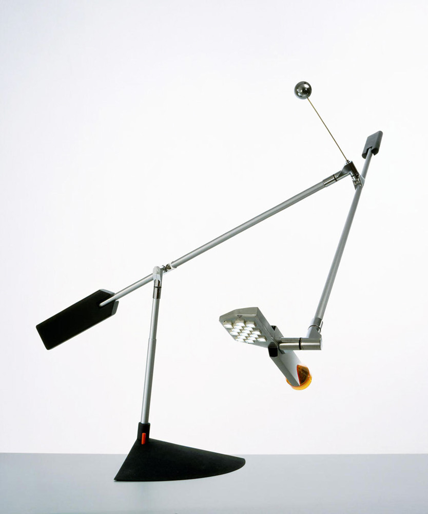 halley lamp by lucesco